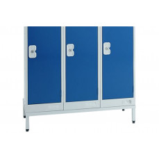 Stand for metric lockers