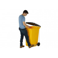 Wheeled Bin With Side Pedal
