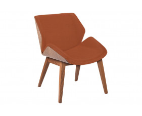 Lockwood Chair With 4 Wooden Legs & Outer Back