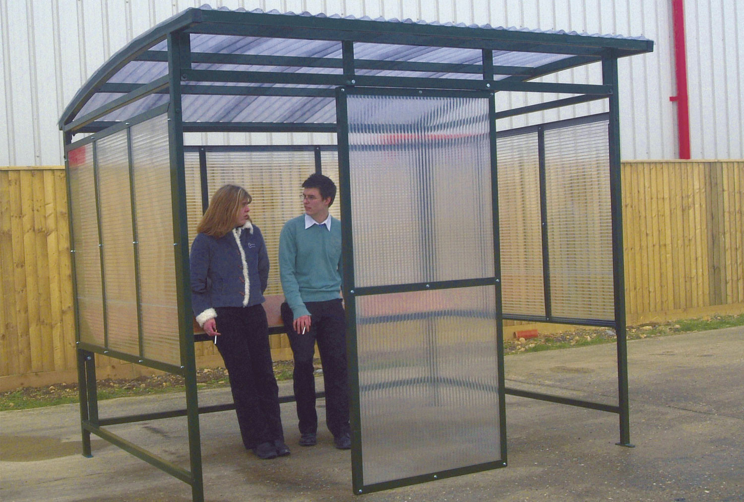 Polycarbonate Smoking Shelter With Perch