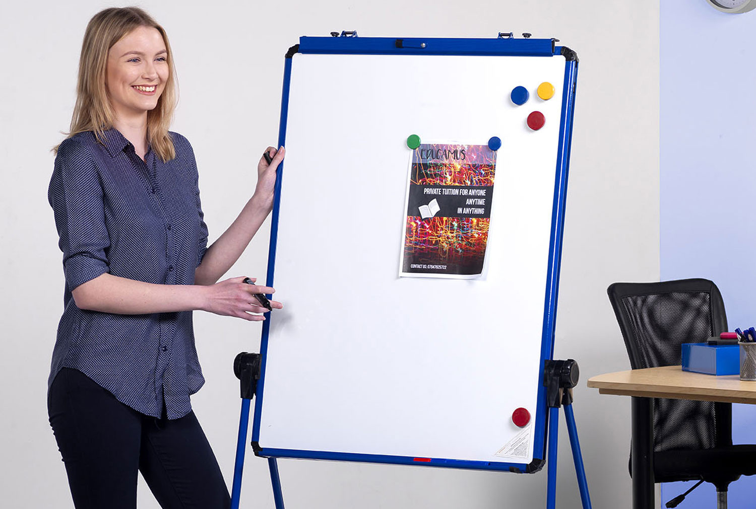 Ultramate Magnetic Flip Chart Easel With Loop Leg
