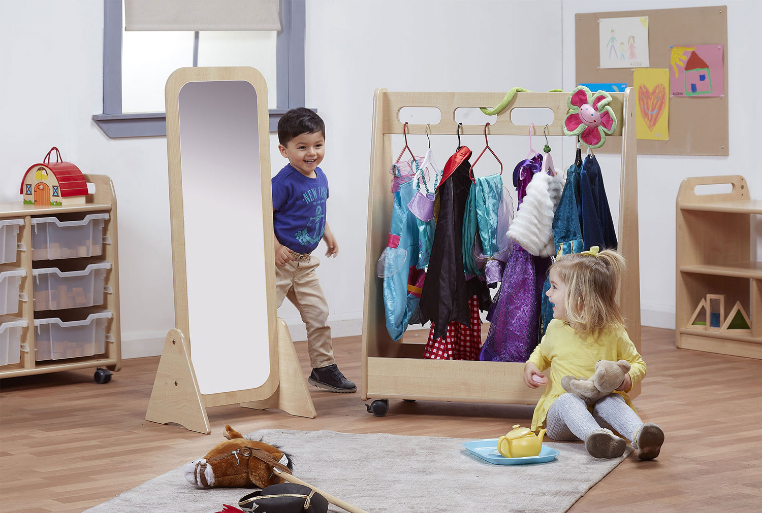 Basic Dressing Up Trolley With Free Standing Mirror Set